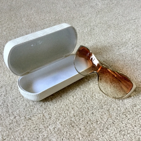 94d6271a75e Oakley Breathless Sunglasses. M 5af11aa4077b97d23765ebbd